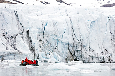 Zodiac trip for tourists, Hornbreen Glacier, Spitsbergen, Svalbard, Arctic, Norway, Europe