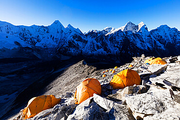 Camp 1 on Ama Dablam, Sagarmatha National Park, UNESCO World Heritage Site, Khumbu Valley, Nepal, Himalayas, Asia