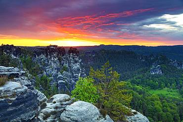 Bastei lookout point at sunrise, Saxon Switzerland National Park, Saxony, Germany, Europe