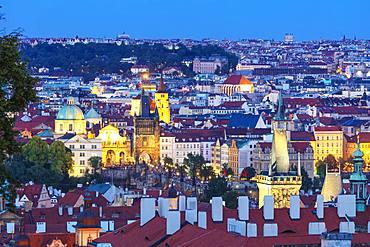 Charles Bridge and old town, Prague, UNESCO World Heritage Site, Bohemia, Czech Republic, Europe