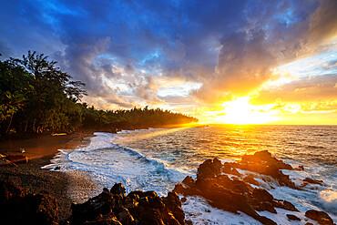 Sunrise at Kehena Beach, Big Island, Hawaii, United States of America, North America