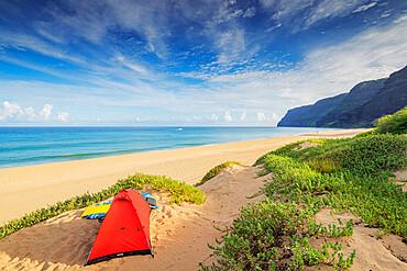 Polihale State Park beach campsite, Kauai Island, Hawaii, United States of America, North America