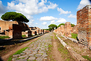 Decumano central high street, Ostia Antica, Lazio, Italy, Europe