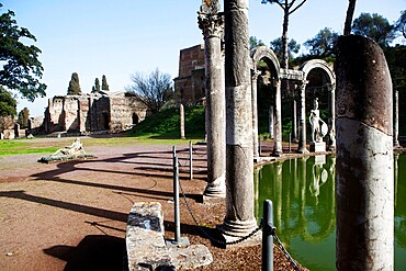 View of the grand thermal baths, Villa Adriana (Hadrian's Villa), UNESCO World Heritage Site, Tivoli, Lazio, Italy, Europe