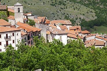 Roofs in Rosciolo, Abruzzo, Italy, Europe