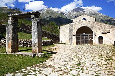 The Gate of Paradise, the Church of Santa Maria in Valle with Mount Velino in the background, Abruzzo Marsicano, Abruzzo, Italy, Europe