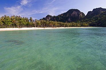 Lanah Bay, Phi Phi Don Island, Thailand, Southeast Asia, Asia