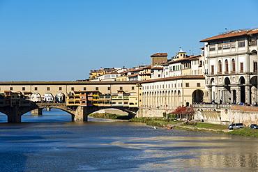 Ponte Vecchio bridge on Arno River, UNESCO World Heritage Site, Florence, Tuscany, Italy, Europe