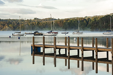 Jetty on Lake Windermere in Lake District, England, Europe
