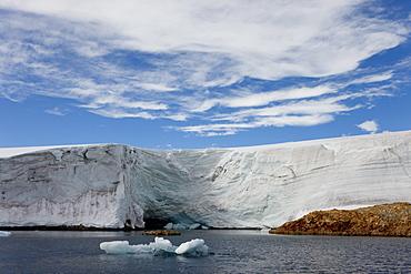 Glacier near Vernadsky Research Station, Antarctic Penisula, Antarctica, Polar Regions