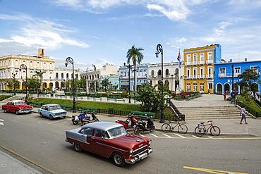 Parque Serafin Sanchez square, Sancti Spiritus, Cuba, West Indies, Caribbean, Central America