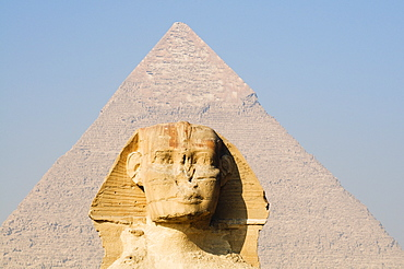The Sphinx and the Pyramid of Khafre (Chephren), Giza, UNESCO World Heritage Site, near Cairo, Egypt, North Africa, Africa