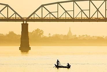 Boat and Ava Bridge (Inwa Sagaing Bridge), Ayeyarwaddy River, Myanmar (Burma), Asia