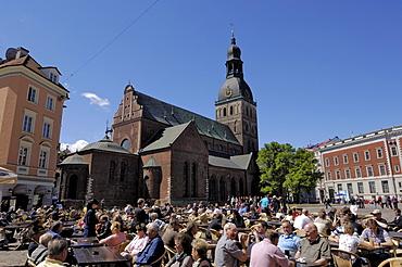 Street cafe, Doma Square, Riga, Latvia, Baltic States, Europe