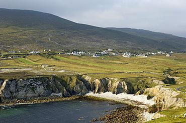 Cove and village of Ashleam, Achill Island, County Mayo, Connacht, Republic of Ireland, Europe