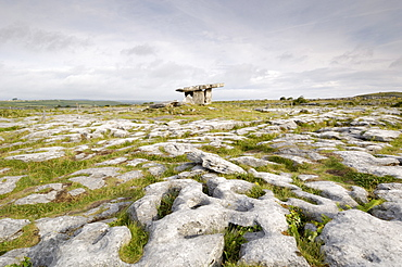 Poulnabrone Dolmen Portal Megalithic Tomb, The Burren, County Clare, Munster, Republic of Ireland, Europe
