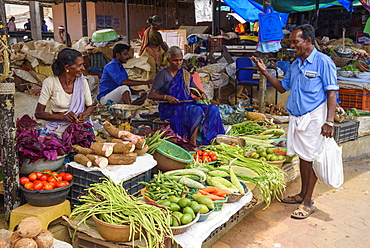 Fruit and vegetable stall at Conemara market, in Kerala, India, Asia