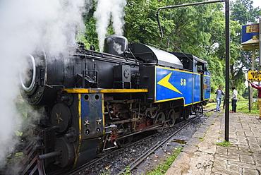 Steam locomotive on the Nilgiri Mountain Railway, between Ooty and Mettupalayam, Tamil Nadu, India, South Asia