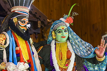 Men in traditional costume during Kerala Kathakali performance in Kochi, Kerala, India, Asia