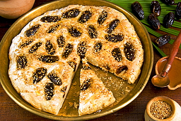 Ancient Babylonian pastry, sweet bread with honey, dates, sesame, Al Hillah, Babil Province, Iraq, Middle East