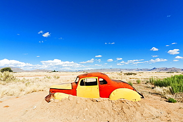 Abandoned car, Solitaire Village, Khomas Region, near the Namib-Naukluft National Park, Namibia, Africa
