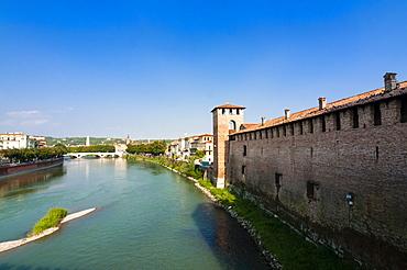 Castelvecchio fortress dating from 1355, River Adige, Verona, UNESCO World Heritage Site, Veneto, Italy, Europe