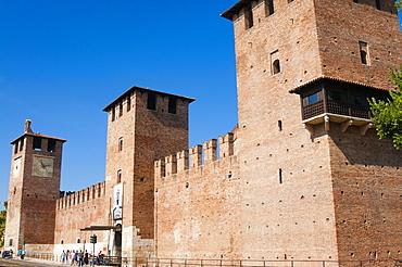 Castelvecchio fortress dating from 1355, Verona, UNESCO World Heritage Site, Veneto, Italy, Europe