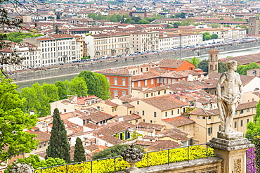 View of city center of Florence and River Arno, Florence (Firenze), UNESCO World Heritage Site, Tuscany, Italy, Europe