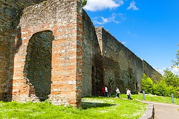 City ramparts (Medicean walls) dating from the 14th century, Porta Stufi, Arezzo, Tuscany, Italy, Europe