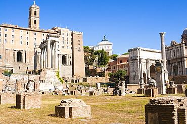 Temple of Saturnus on left, Column of Phocas, Arch of Septimius Severus, Tabularium, Roman Forum, UNESCO World Heritage Site, Rome, Lazio, Italy, Europe