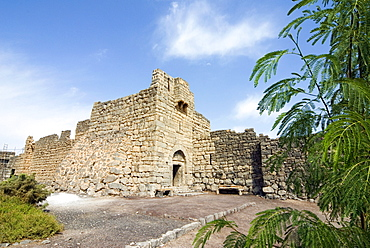 Main gate and fort walls, Qasr al Azraq Fort, where T.E. Lawrence (Lawrence of Arabia) had his headquarters in 1917, Jordan, Middle East