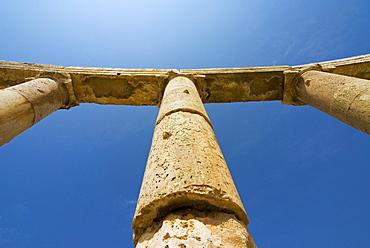 Colonnade and Ionic columns, Jerash (Gerasa), a Roman Decapolis city, Jordan, Middle East