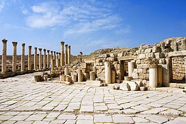 South Decumanus and South Tetrapylon, Jerash, a Roman Decapolis city, Jordan, Middle East