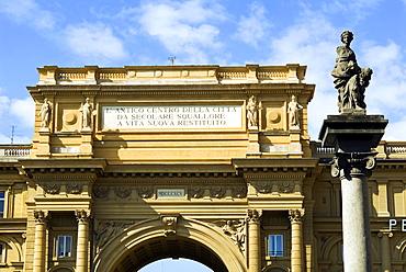 Triumph Arch, Piazza della Repubblica, UNESCO World Heritage Site, Florence, Tuscany, Italy, Europe