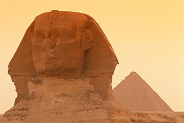 The Sphinx and Kefren (Chephren) pyramid, Giza, UNESCO World Heritage Site, Cairo, Egypt, North Africa, Africa