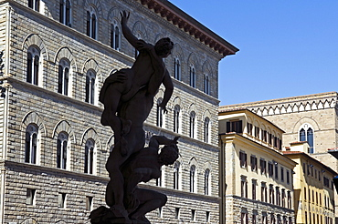 The Rape of the Sabine women, Loggia dei Lanzi, Florence (Firenze), UNESCO World Heritage Site, Tuscany, Italy, Europe