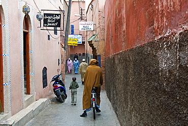 Street in the Souk, Marrakech (Marrakesh), Morocco, North Africa, Africa