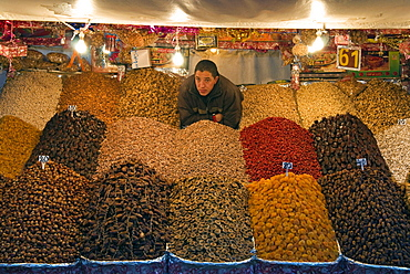Dried fruit seller, Place Jemaa el Fna (Djemaa el Fna), Marrakech (Marrakesh), Morocco, North Africa, Africa