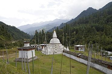 Chendebji Chorten, on the road between Punakha and Trongsa, Bhutan, Asia