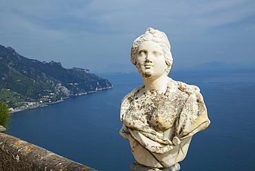 Statue on the Infinity Terrace, Villa Cimbrone, Ravello, Amalfi Coast, UNESCO World Heritage Site, Campania, Italy, Mediterranean, Europe