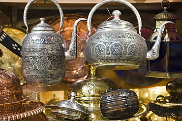 Traditional ornate kettles for sale, Grand Bazaar (Great Bazaar), Istanbul, Turkey, Europe