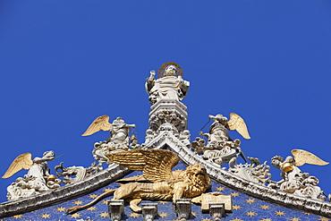 Detail of the facade of Basilica di San Marco (St. Mark's Basilica), St. Mark's Square, Venice, UNESCO World Heritage Site, Veneto, Italy, Europe