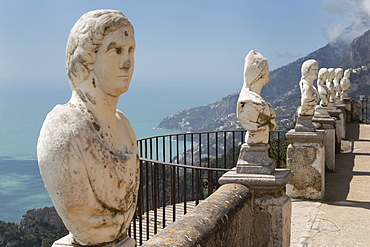 Statues on Belvedere of Infinity at the Villa Cimbrone in Ravello, Amalfi Coast (Costiera Amalfitana), UNESCO World Heritage Site, Campania, Italy, Mediterranean, Europe