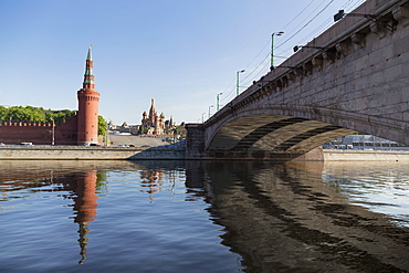 Bridge over the River Moskva with the Kremlin and St. Basil's Cathedral in the distance, Moscow, Russia, Europe