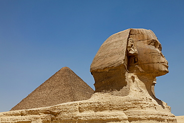 The Sphinx and the Great Pyramid in Giza, UNESCO World Heritage Site, near Cairo, Egypt, North Africa, Africa