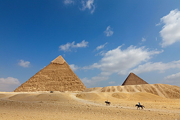 The Pyramid of Khafre and the Great Pyramid in Giza, UNESCO World Heritage Site, near Cairo, Egypt, North Africa, Africa