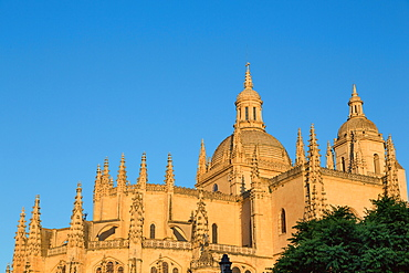 The imposing Gothic Cathedral of Segovia, Castilla y Leon, Spain, Europe