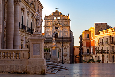 The Cathedral and Piazza Duomo in early morning on the tiny island of Ortygia, UNESCO World Heritage Site, Syracuse, Sicily, Italy, Europe
