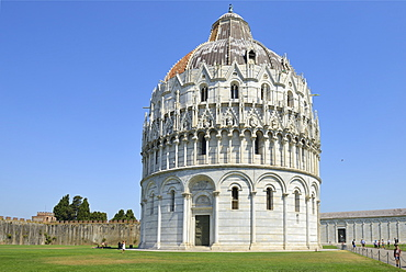 Baptistry of St. John, Piazza del Duomo (Cathedral Square), Campo dei Miracoli, UNESCO World Heritage Site, Pisa, Tuscany, Italy, Europe