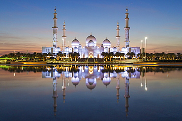 Sheikh Zayed Bin Sultan Al Nahyan Mosque, Abu Dhabi, United Arab Emirates, Middle East